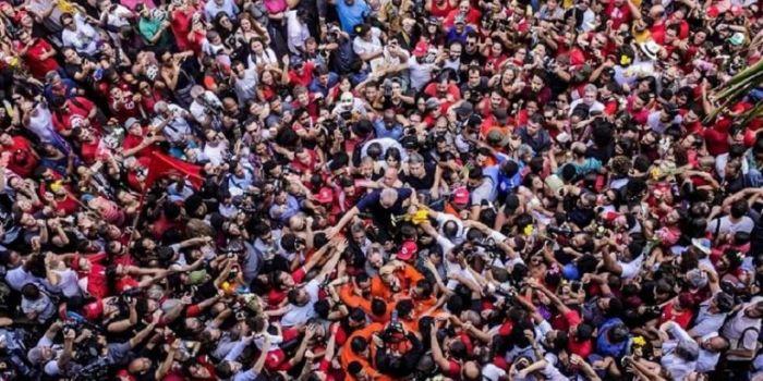 Un emozionante video divenuto virale accosta Lula a Perón: «Per ogni popolo arriva il suo 17 di ottobre»