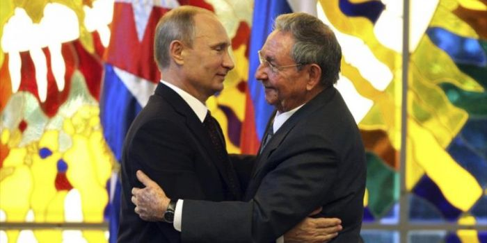 La Russia sfida il bloqueo e intensifica il commercio con Cuba (+81%)