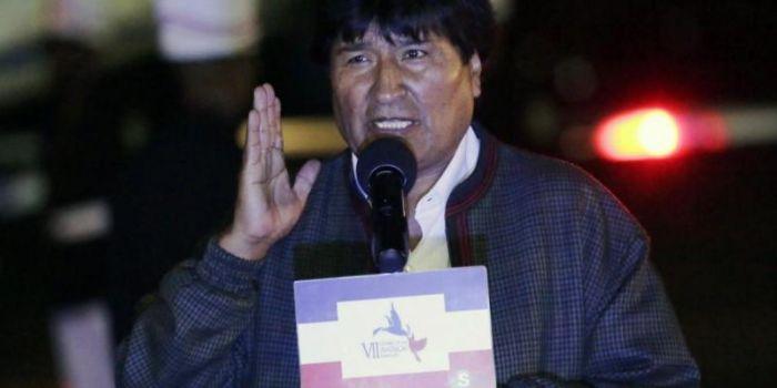 Evo Morales: Obama smetta di trasformare il mondo in un campo di battaglia