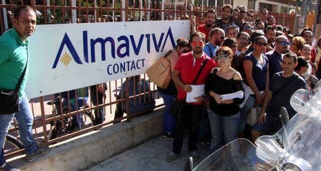 Napoli: protesta al Consiglio Regionale dei lavoratori Almaviva e Gepin