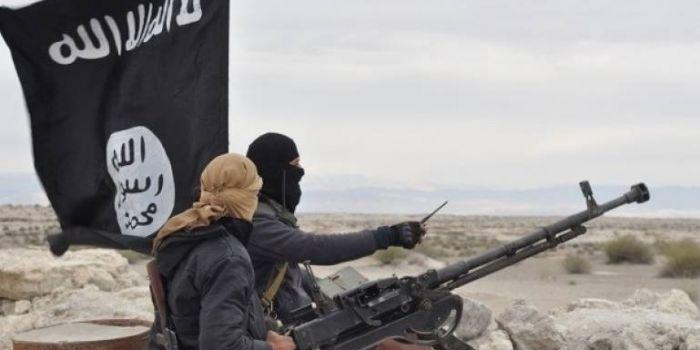 Siria, Mons. George Khazen racconta l'inferno di Idlib: «Tutti quelli che vogliono la riconciliazione con Damasco, sono attaccati, arrestati e uccisi dai jihadisti»