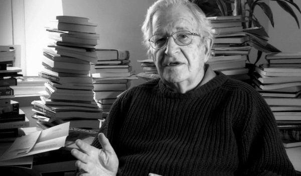 Chomsky: Gli USA non tollerano un paese indipendente come l'Iran
