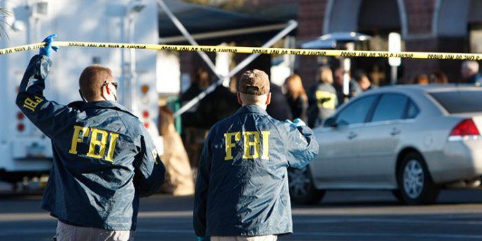 Espulsioni, ricatti, sorveglianza dei giornalisti: le 'regole segrete dell'FBI