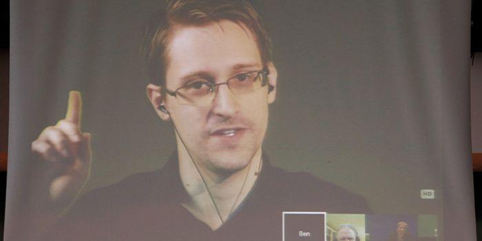 La madre di tutte le bombe. Snowden: Gli Usa hanno bombardato tunnel che avevano costruito loro stessi