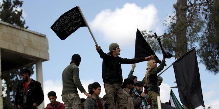 """Siria. I ministri europei """"tutelano"""" i miliziani di Al Qaida a Idlib e attaccano il governo siriano"""