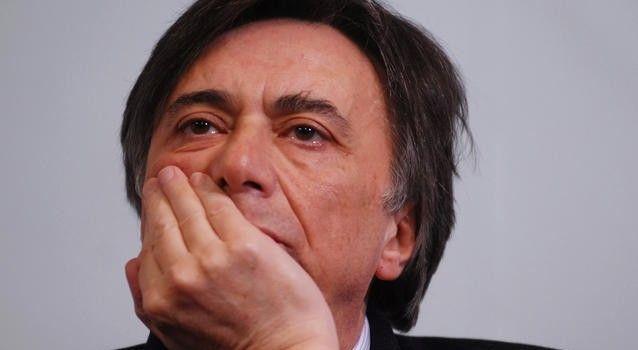 Carlo Freccero: I migranti non sono il nuovo proletariato. Così la sinistra del politicamente corretto si estingue
