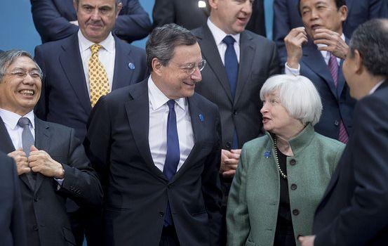 Le banche centrali diano i soldi direttamente alla gente. La proposta di due economisti americani