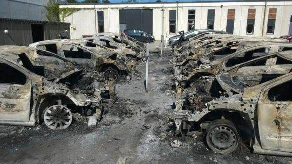 I danesi si ribellano: l'Ufficio del fisco in fiamme