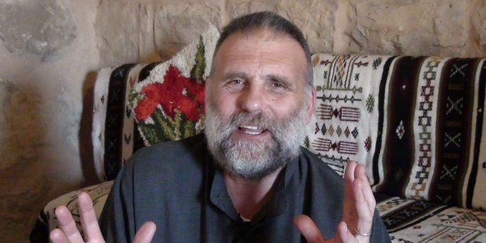 A 6 anni dal rapimento dell'Isis di Padre dall'Oglio. I dubbi della sorella sulla volontà degli Usa di far luce sulla vicenda