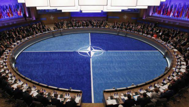 LE 10 COSE CHE DEVI ASSOLUTAMENTE SAPERE SULLA NATO