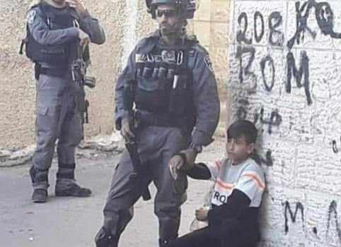 Si può criticare questa foto o è antisemitismo?