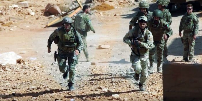FOTO. Siria, ecco come le forze speciali degli Stati Uniti addestrano in Giordania i sedicenti ribelli