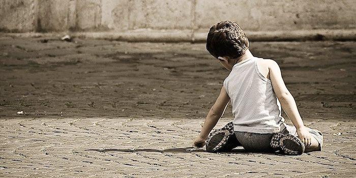 Rapporto Save the Children, Triplicati i bambini in povertà assoluta. E l'Italia non può aumentare investimenti e spesa pubblica?