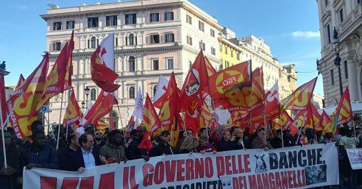 Roma, migliaia di lavoratori contro Euro, Ue e Nato. I media di regime  censurano