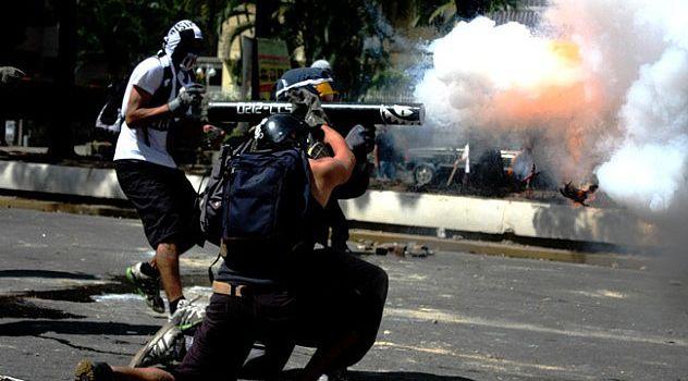 Risultati immagini per violenza venezuela