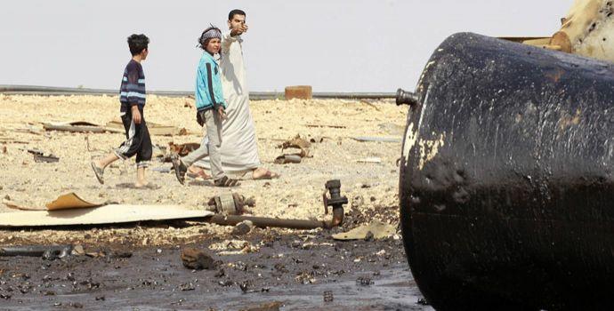Lo Stato Islamico vende il petrolio a 20 dollari al barile sul mercato nero. Il Ministero delle Finanze iracheno