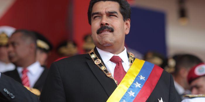 Venezuela: Maduro annuncia aumento del prezzo della benzina e misure per combattere l'emergenza economica
