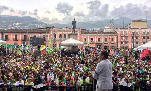 Rafael Correa: la nostra è la rivoluzione dei lavoratori. Nessuna burocrazia toglierà le conquiste ottenute
