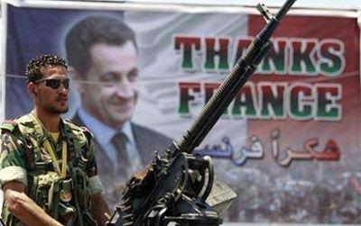 I francesi dimenticano che Hollande somministrò armi ai siriani