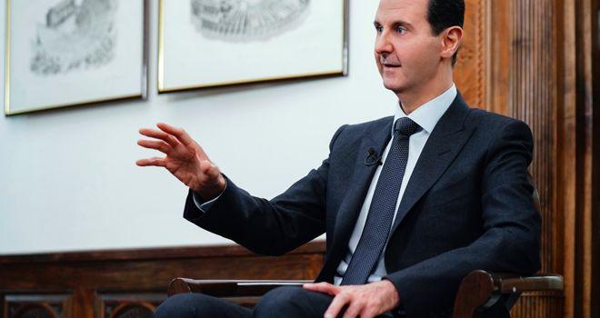 Assad: Negli USA non c'è sistema politico, governano le lobby di armi, petrolio e banche. La Via della Seta è stabilità e prosperità