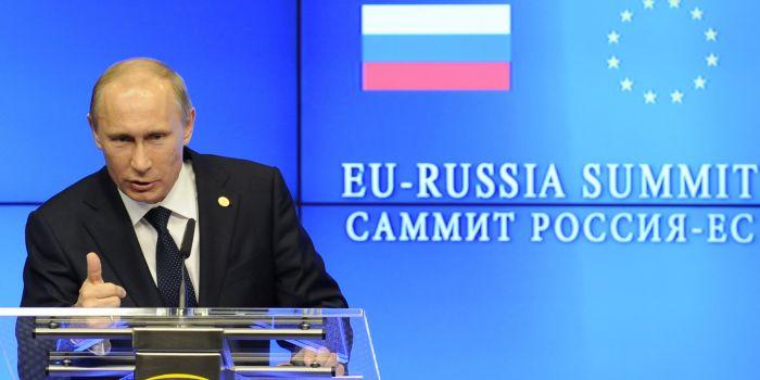 L�Unione Europea rivedr� la strategia delle relazioni a lungo termine con la Russia