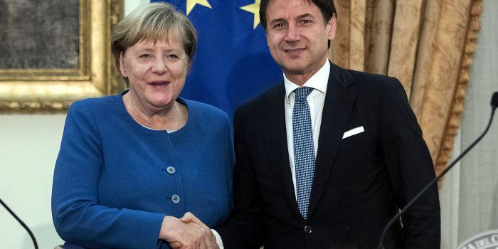 La Merkel chiede riforme (cioè macelleria sociale)