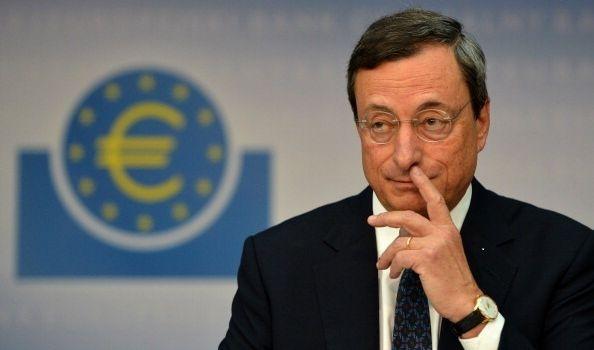 Zona euro rischia danni duraturi, costi alti da ritardo riforme -Draghi