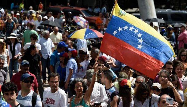 Venezuela. Messico e Uruguay organizzano una conferenza per la pace con la partecipazione dell'ONU