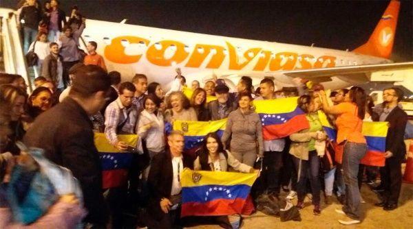 """Con Lula, con il Venezuela e con Cuba. Al vertice di Lima, la forza dei popolicontro la """"voce del padrone"""""""